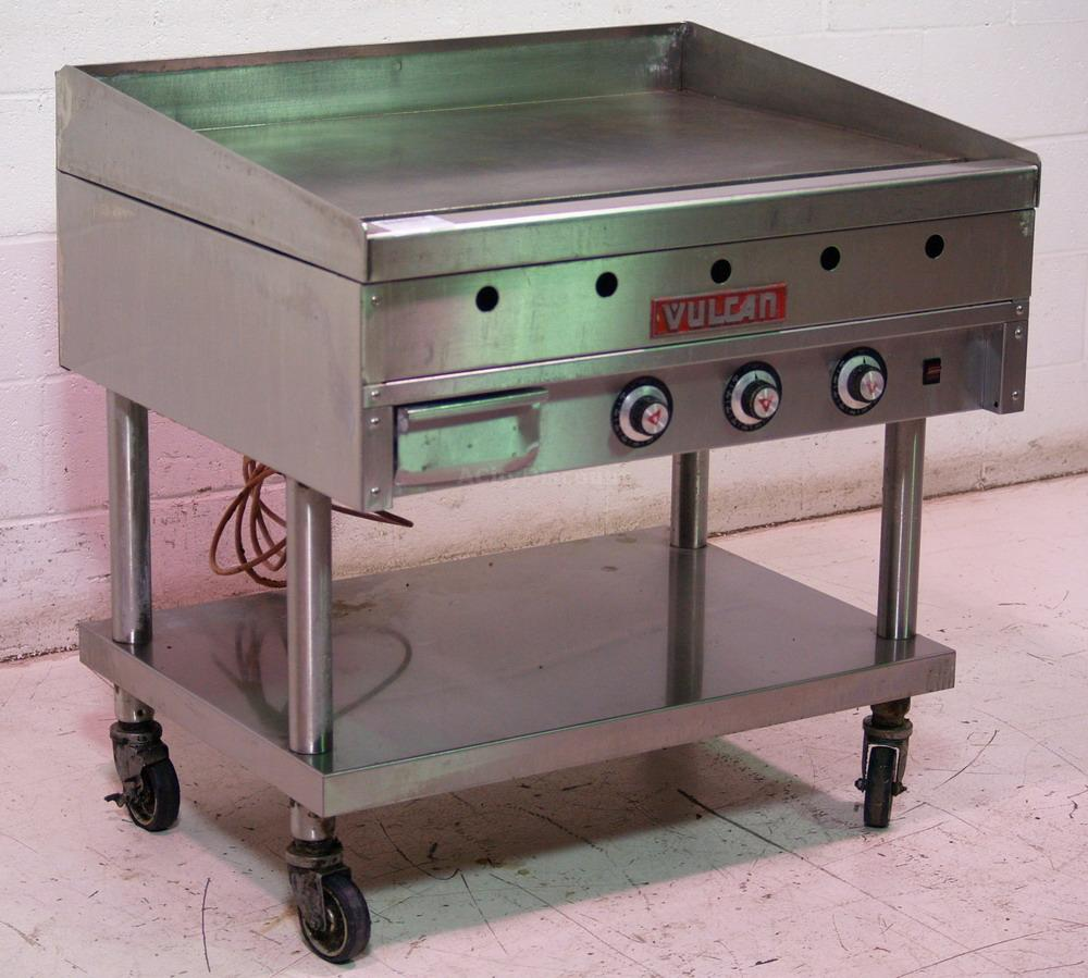 "Used Vulcan Commercial Kitchen Nat Gas 36"" Griddle W"